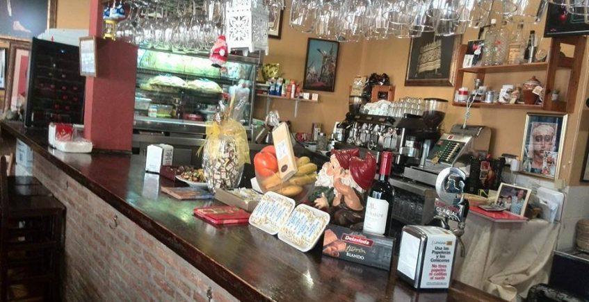 Langostinos con cebolla y huevos del Bar Santos