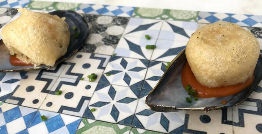 Buñuelo de mejillones de Origen. Foto: Cosas de Comé