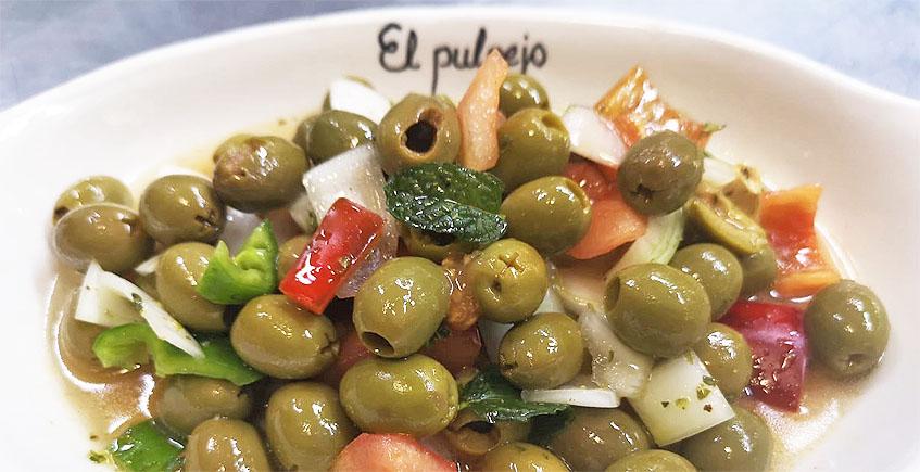 Aliño de aceitunas manzanilla de Luis Portillo del restaurante El Pulpejo