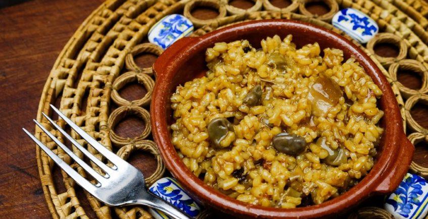 El arroz con habas y boletus del restaurante Los Cuevas
