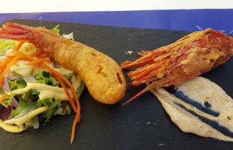 El carabinero en tempura del restaurante Cambados