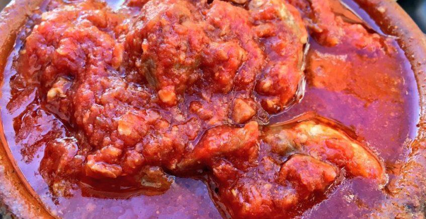 La carne con tomate de la taberna Peneque