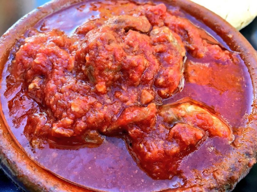 Carne en tomate Peneque