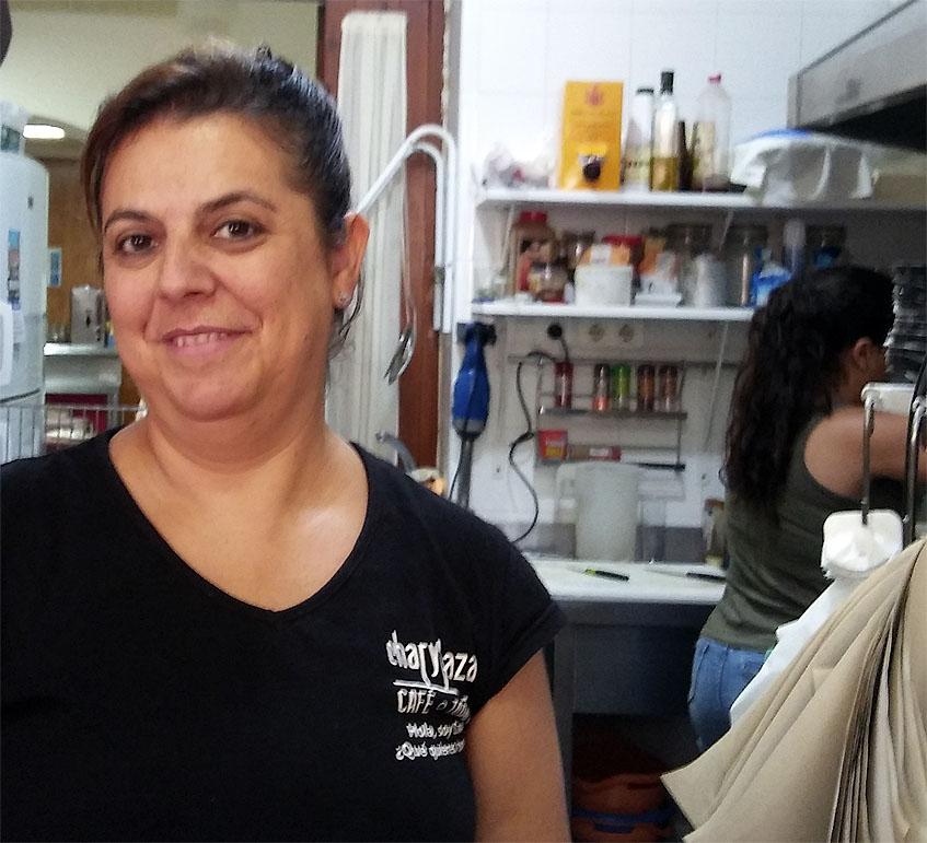Chari Gómez en su establecimiento. Foto: Cosasdecome