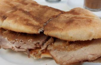 La tostada de carne mechá del Cafè Bar Er Tito