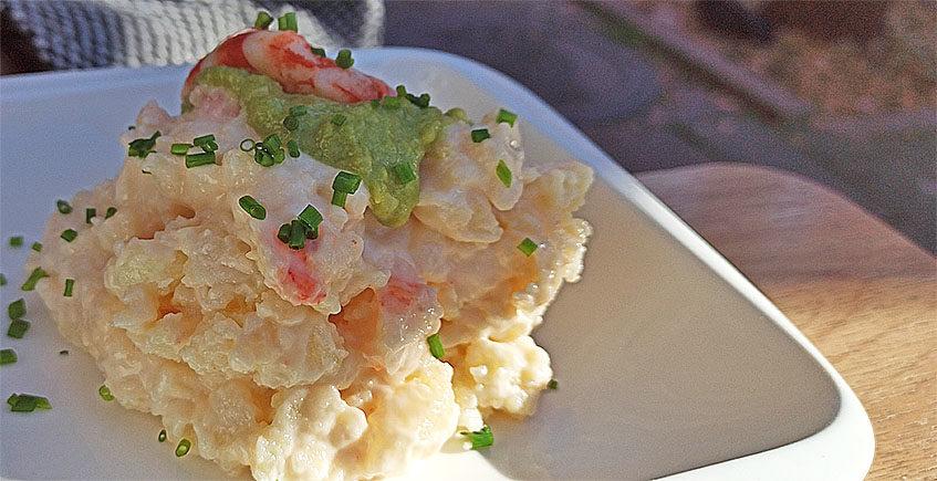 La ensaladilla de gambones con guacamole de El Sofrito