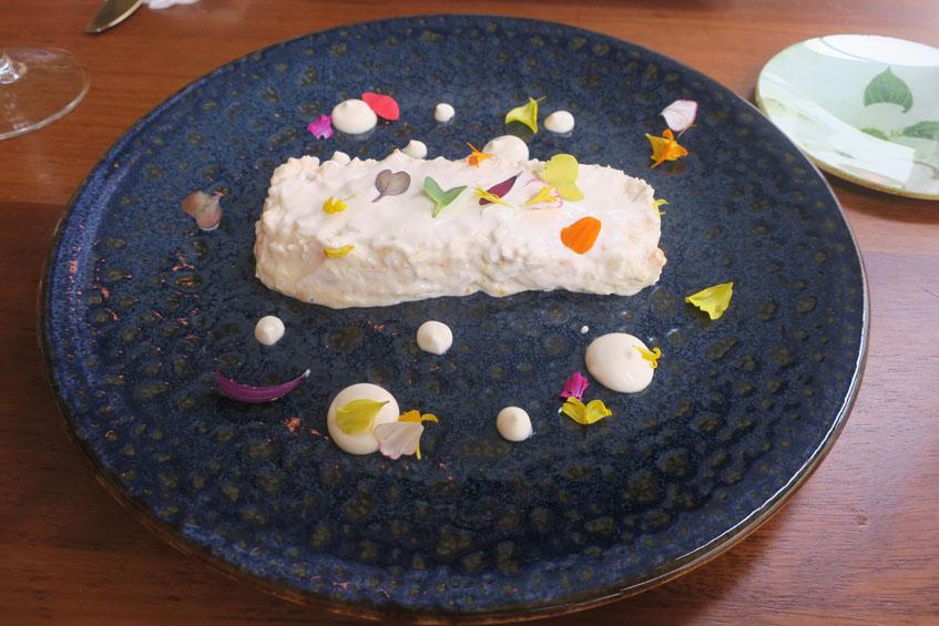 La ensaladilla de langostinos de Los Corales fotografiada por la tapatóloga Charo Barrios.