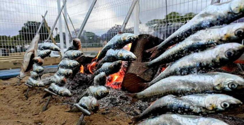 Los espetos de sardinas de la Cervecería Er Traguito