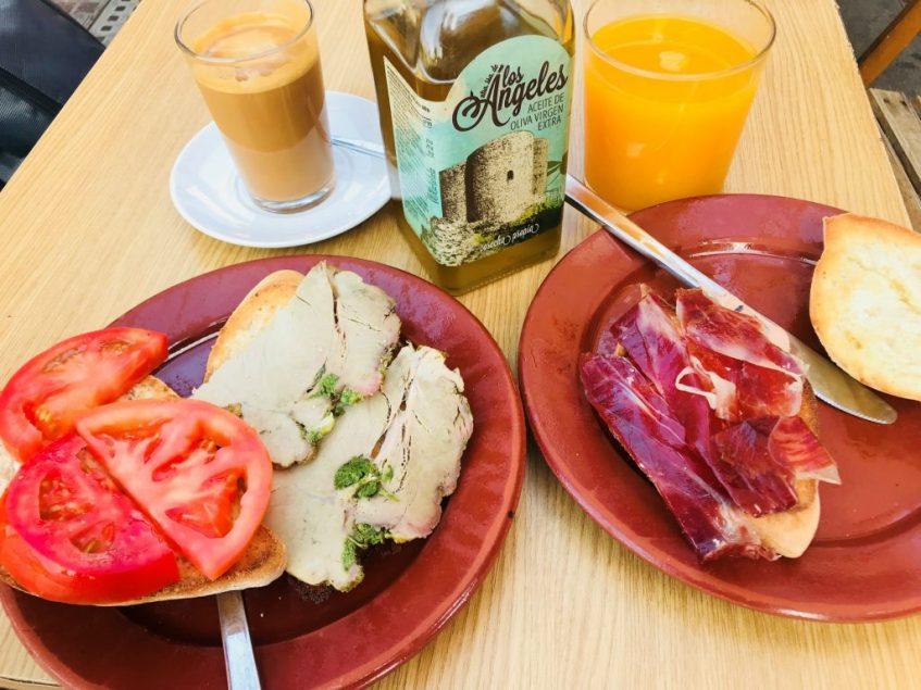 Tostada de mechá vs. tostada de jamón. Foto: Cosas de Comé