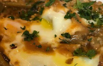 Las tagarninas esparragás con huevo Picher del restaurante Los Baltazares