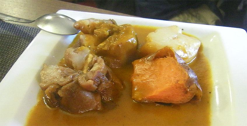 Las manitas de cerdo con foie del restaurante Los Cuevas
