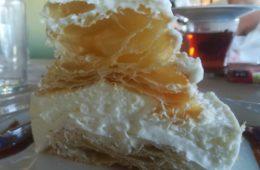 El milhojas de nata de El Rincón de Manolo
