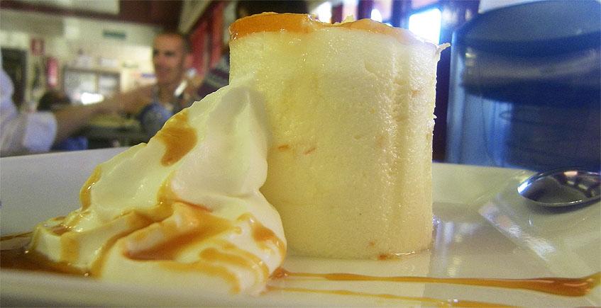 La tarta de azahar del restaurante Los Cuevas