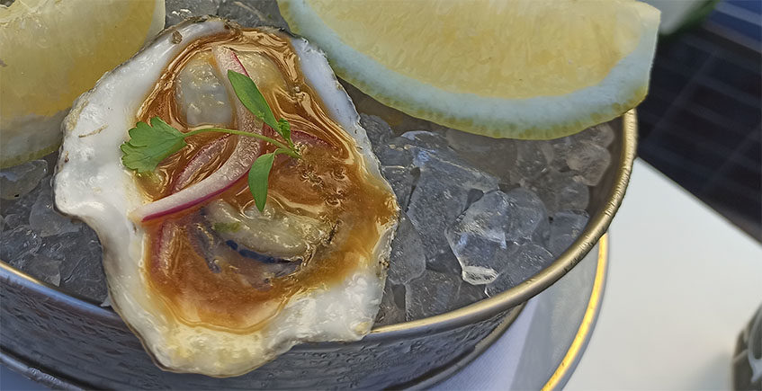 Cosasdecome inicia el curso rápido de cocina Cómo cocinar con ostras...y aprender a abrirlas