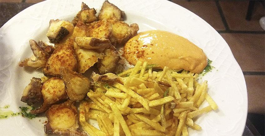El pulpo frito de la bodeguita Casablanca