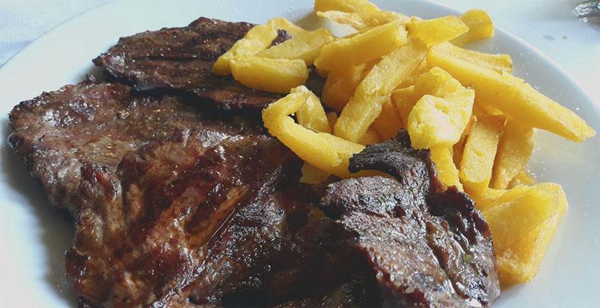 Las carnes a la brasa del restaurante La Grama