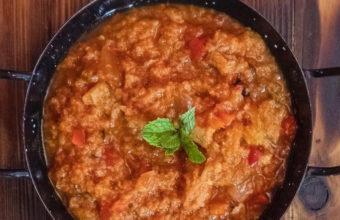 Sopa tomate con su matita de yerbabuena de la Antigua Abacería de San Lorenzo