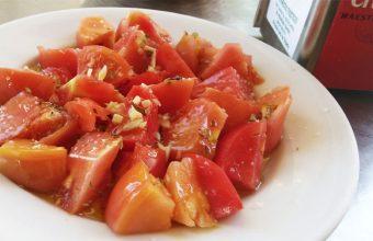 El tomate aliñao del restaurante Los Alamos