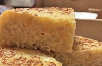 La tortilla de patatas con cebolla de Javi Sera