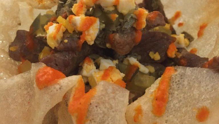Empanadilla abierta de kokotxas y alcachofas