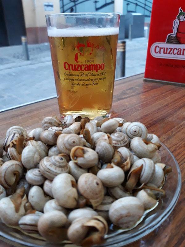 Los caracoles de la bodega Mariano Camacho fotografiados por la tapatóloga Chelo de Luque.