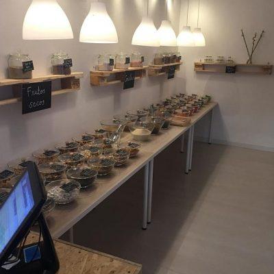 La estantería dedicada a los frutos secos.