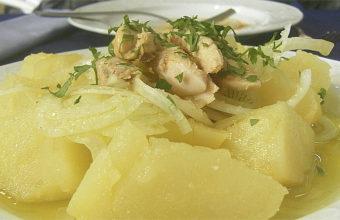 Las papas aliñás con melva de la arrocería Otaola