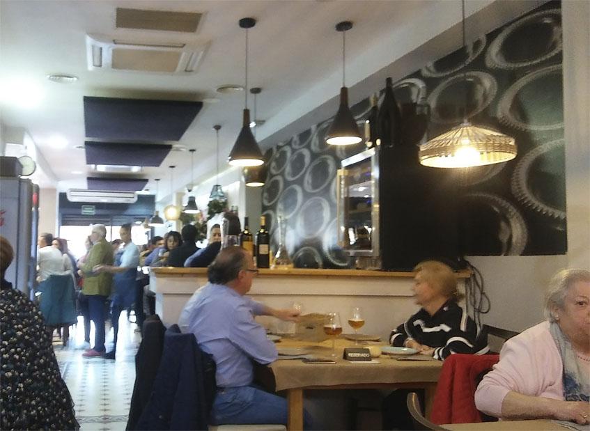 Vista del comedor de Tomaré Tapas. Foto: Cosasdecome