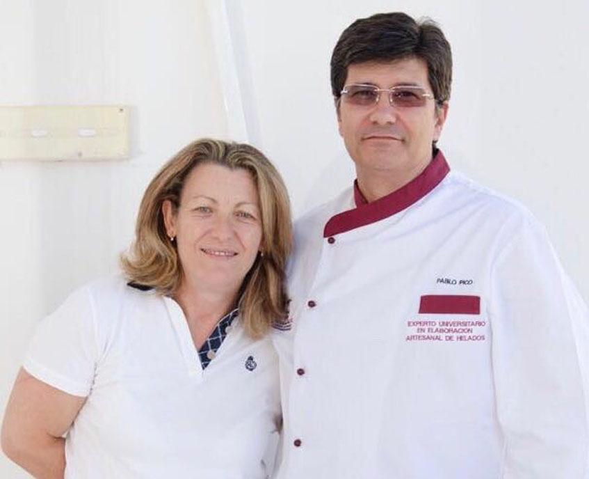 Pablo Pico y Teresa Gomez en su heladería. Foto: Cedida por el establecimiento
