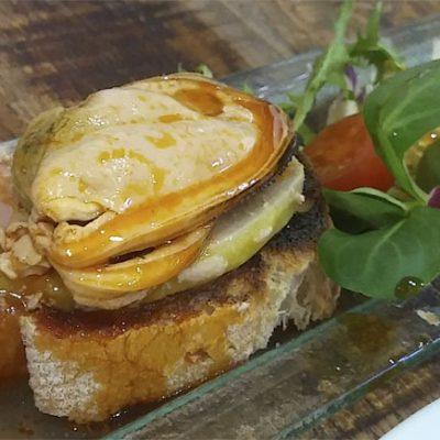 La tosta de mejillones en escabeche con foie, una de las tapas con más seguidores. Foto: Cosasdecome