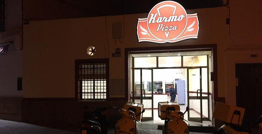 La pizza más sevillana: de espinacas con garbanzos