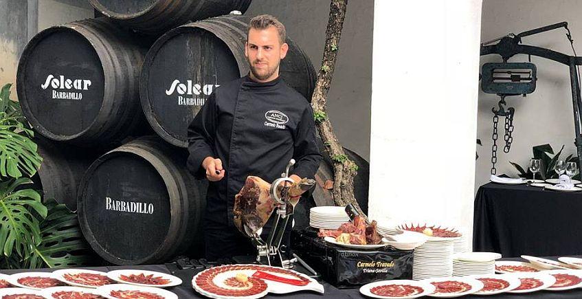 28 de junio: Clase magistral de cortar jamón de Carmelo Travado en la Bodega Siglo XVIII