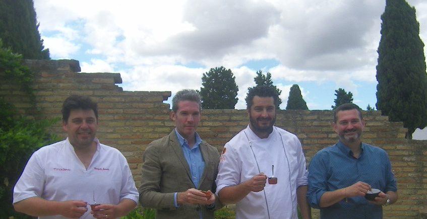 """Presentan en Itálica el """"aenogarum"""", una reconstrucción de una famosa salsa que se utilizaba en tiempos de los romanos"""