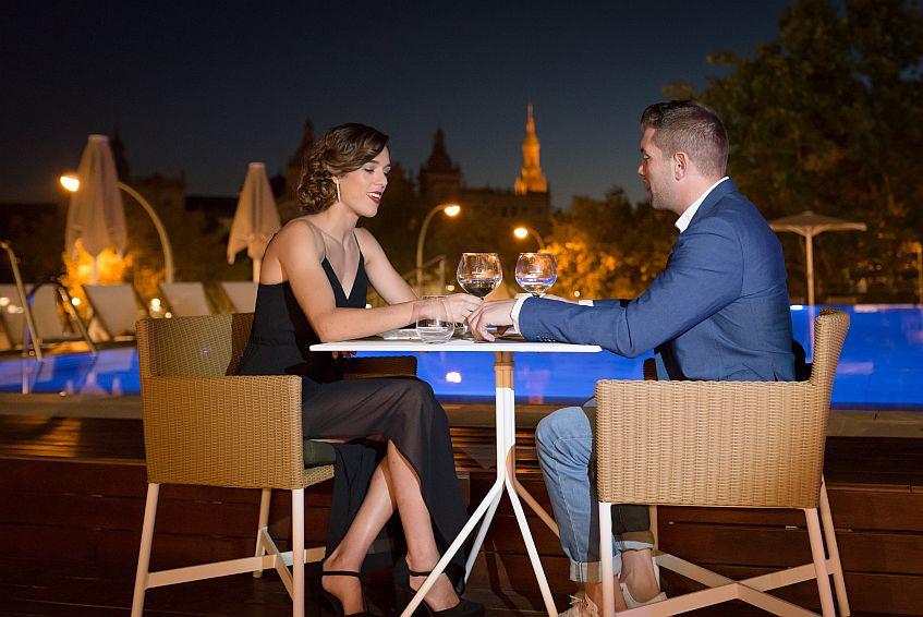Una pareja, en el restaurante. Las fotos han sido cedidas por el hotel.