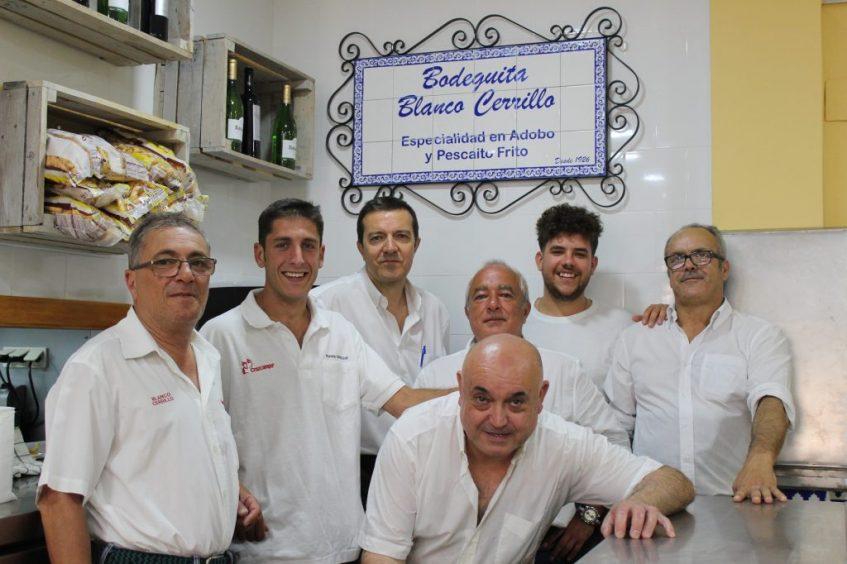 Equipo de Blanco Cerrillo Triana. Foto: Cosas de Comé