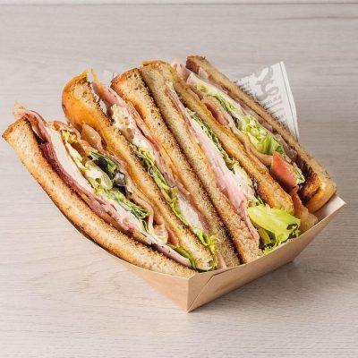 Uno de los sandwiches.