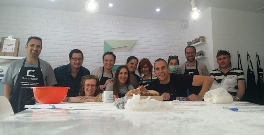 Talleres de sushi, elaboración de pan y cocinas del mundo en la Habitación Saludable