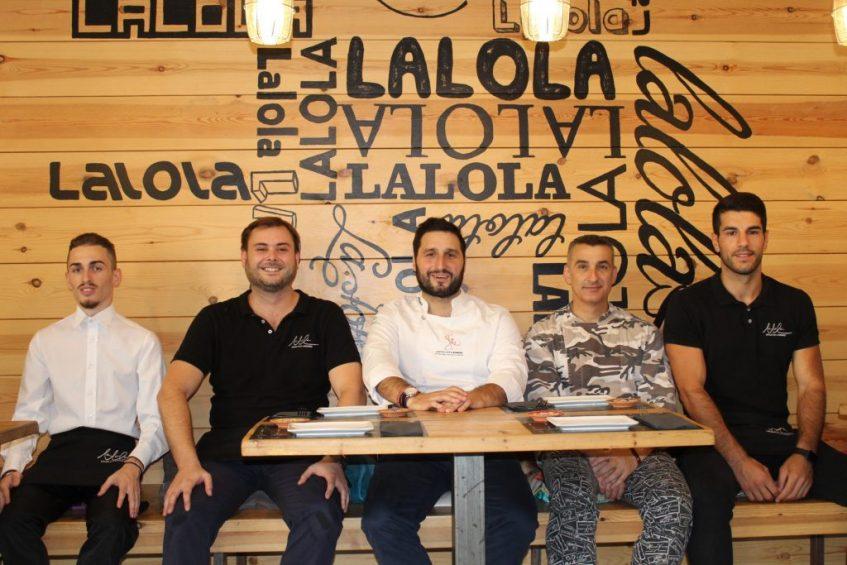Davile Ferrara, Gonzalo Márquez, Javier Abascal, Julio García y Vincenzo Nigro. Foto: Cosas de Comé