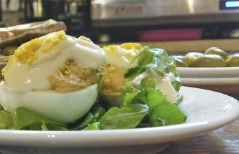 Los huevos rellenos de Er Caserio