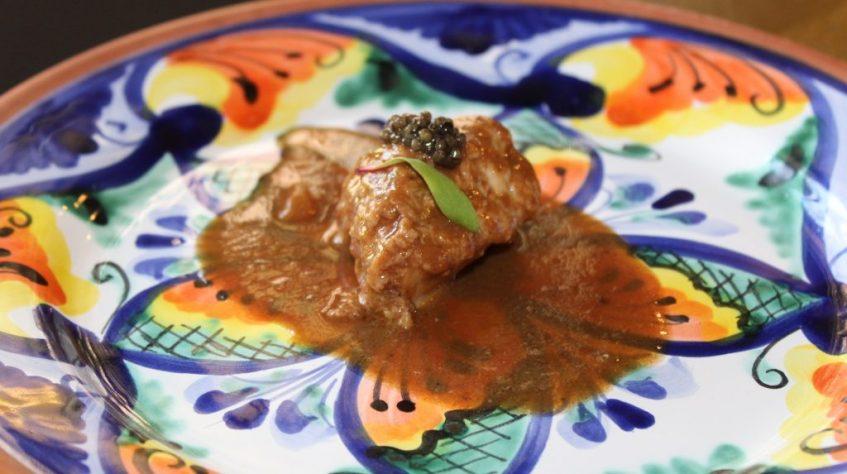 Mollejas de ternera al oloroso con caviar. Foto: Cosas de Comé