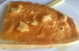 La tostada de manteca colorá con lomo de la Venta La Salina