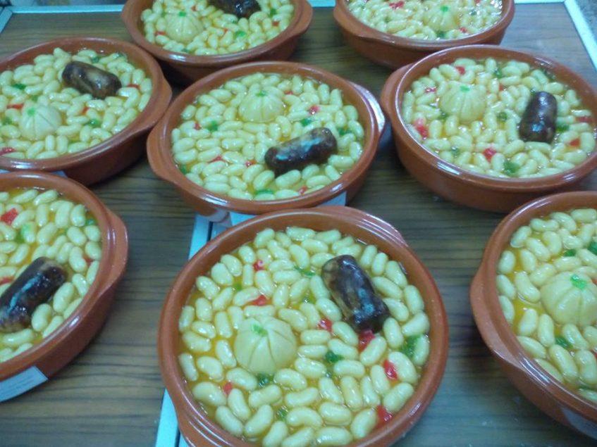 La receta del potaje la heredó Pedro Cabrera de su tío abuelo, procedente de Utrera. Foto cedida por el establecimiento.