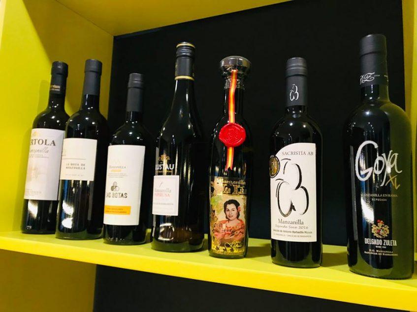 Algunos de sus muchos vinos generosos de calidad. Foto: Cosas de Comé