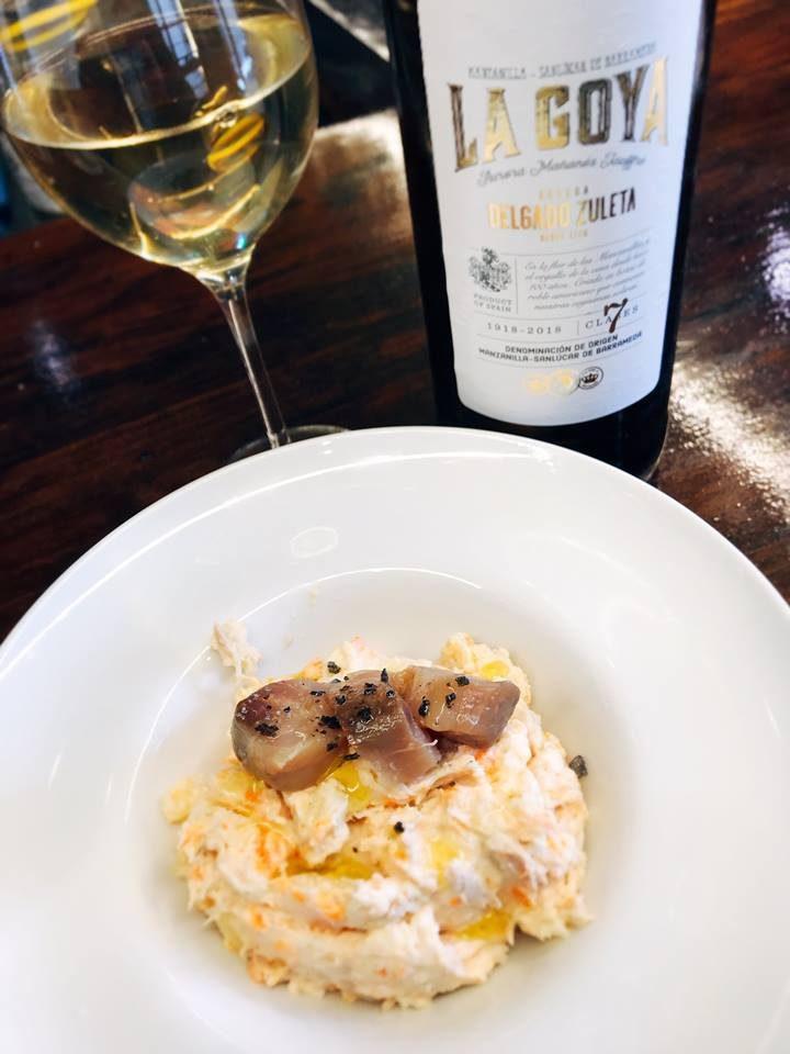 Ensaladilla y manzanilla La Goya, en Palo Cortao. Foto: Cosas de Comé