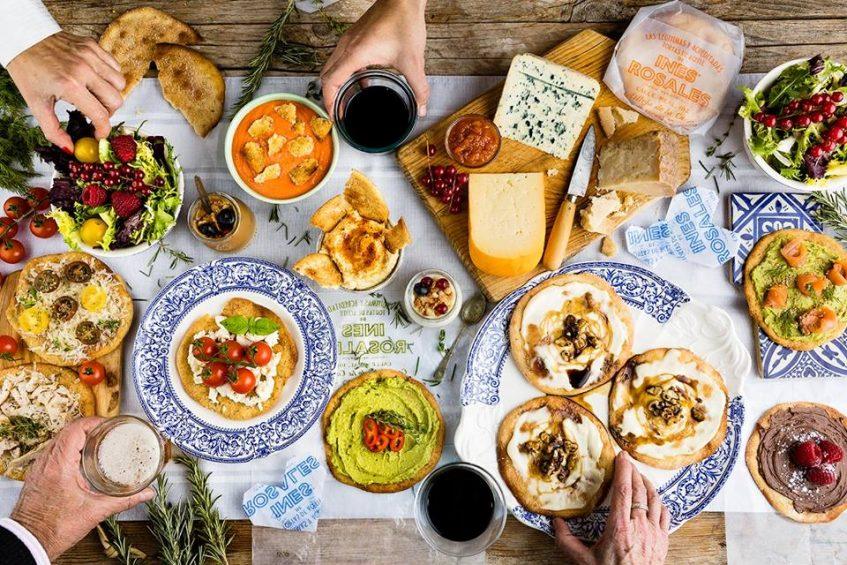 Múltiples posibilidades gastronómicas de las tortas de aceite. Foto cedida por la empresa.