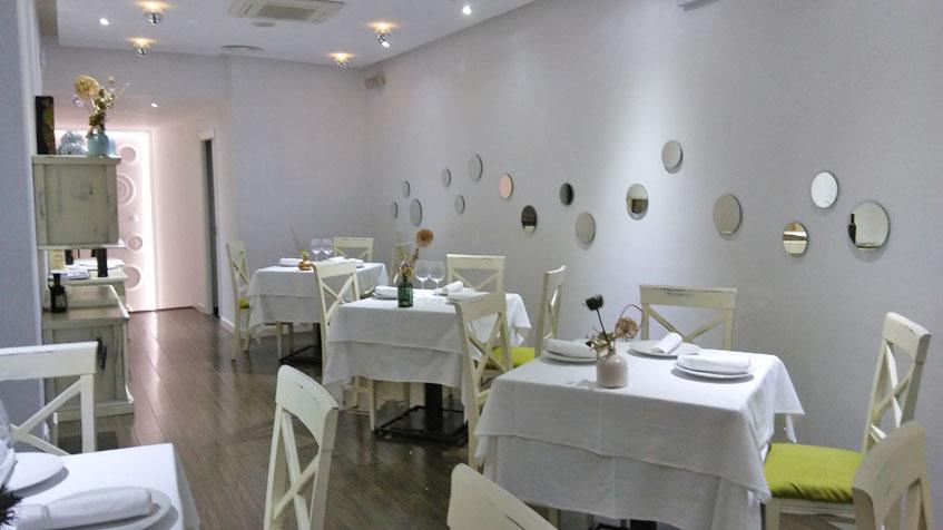 Comedor del restaurante Agustina. Foto: Cosasdecome