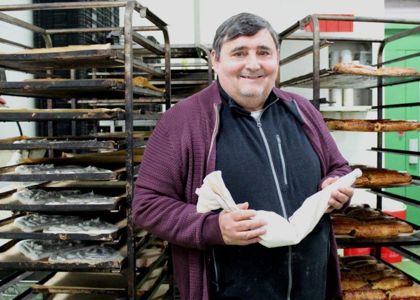 José Gavira Vera, en el obrador de la calle Dolores León. Foto: Cosas de Comé