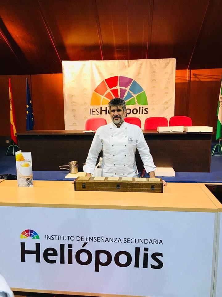 Manu Jara, durante las Jornadas de la Escuela de Hostelería de Heliópolis. Foto cedida