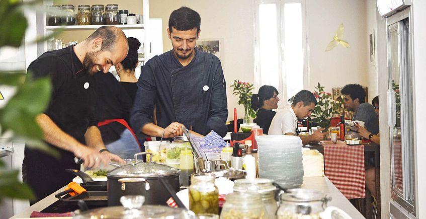 Talleres de cocina en KÖK Tu Cocina, que celebra su quinto aniversario