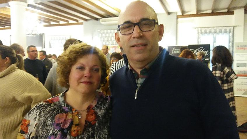 Carmen Moreno y Juan Antonio Zambrano, los actuales gerentes del establecimiento. Foto: Cosasdecome
